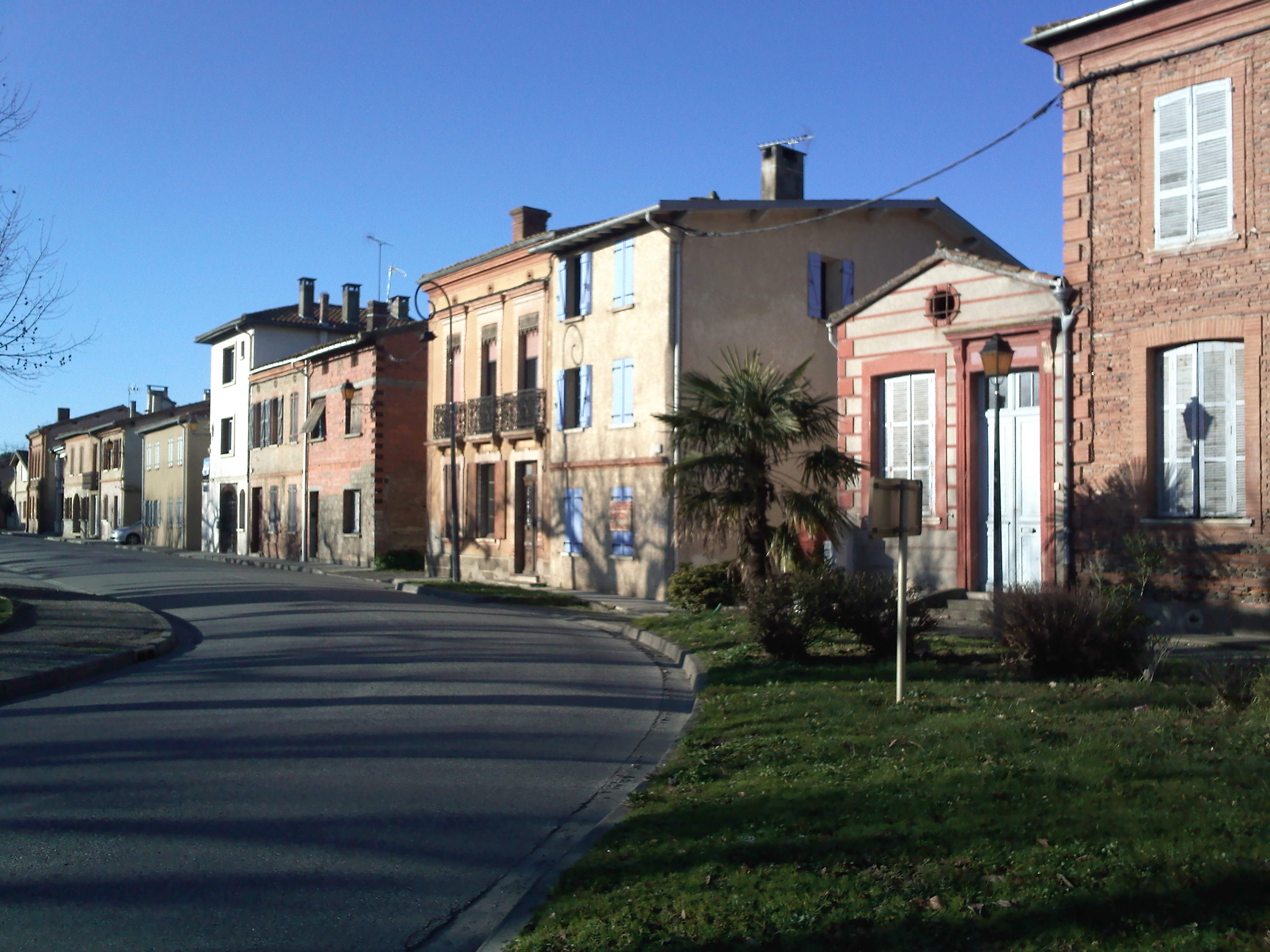 St Clar : la place du village